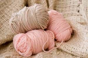 yarn_pink_ecru_web